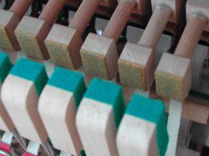 Attrapes et contre-attrapes de piano droit