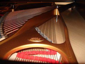 Cadre en fonte d'un piano à queue