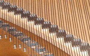 Chevalet, pointes de chevalet et pointes d'accroche de piano