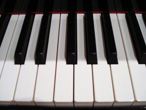 Clavier de piano vue de face
