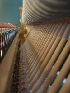 Sommier de mécanique de piano droit